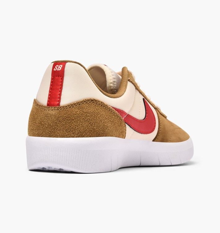 nike-sb-team-classic-ah3360-202-golden-beige-university-red-li-2