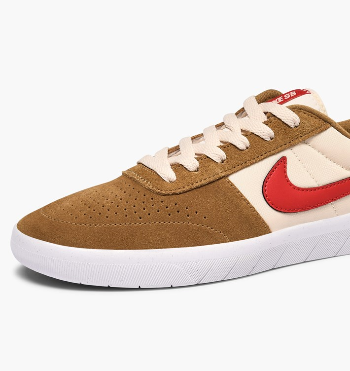 nike-sb-team-classic-ah3360-202-golden-beige-university-red-li-3